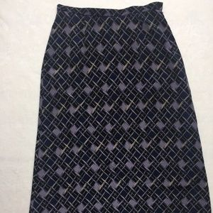 SOFTLY SUITED Women's Skirt Size M